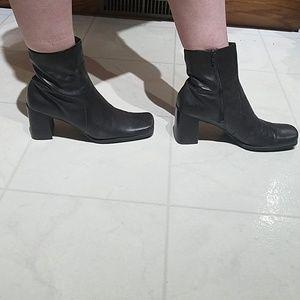 Women's Brown Boot